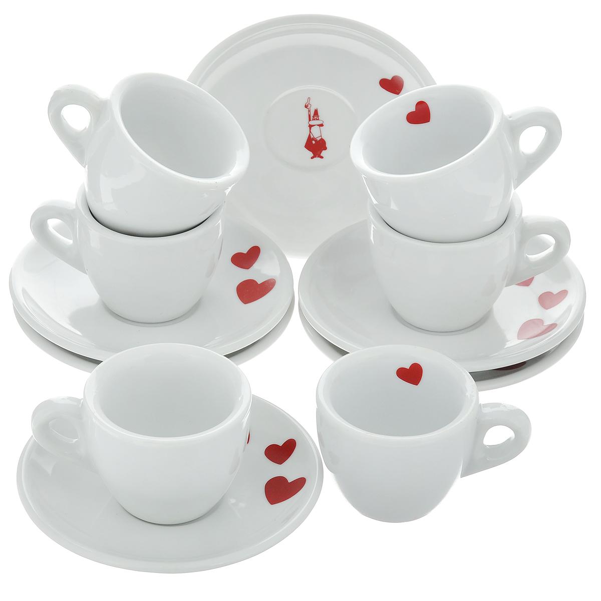 Набор чашек для кофе Bialetti, с блюдцами, цвет: белый, красный, 12 предметовVT-1520(SR)Набор Bialetti состоит из 6 чашек для кофе и 6 блюдец, выполненных из высококачественной керамики. Материал изделий абсолютно безопасен для здоровья. Набор Bialetti оригинального дизайна позволит насладиться вашими любимыми напитками. Прекрасный подарок для друзей и близких. Можно мыть в посудомоечной машине. Объем чашки: 60 мл. Диаметр (по верхнему краю): 6 см. Высота чашки: 5 см.