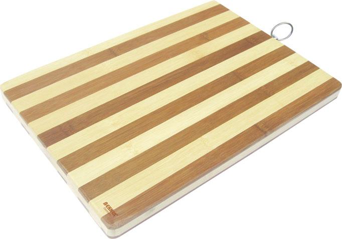 Доска разделочная Bekker, бамбуковая, 40 х 30 см. BK-9708115510Прямоугольная разделочная доска Bekker изготовлена из высококачественной древесины бамбука, обладающей антибактериальными свойствами. Бамбук - инновационный материал, идеально подходящий для разделочных досок. Доски из бамбука обладают высокой плотностью структуры древесины, а также устойчивы к механическим воздействиям. Доска оснащена специальной металлической петелькой для подвешивания. Функциональная разделочная доска Bekker прекрасно впишется в интерьер любой кухни и прослужит вам долгие годы.