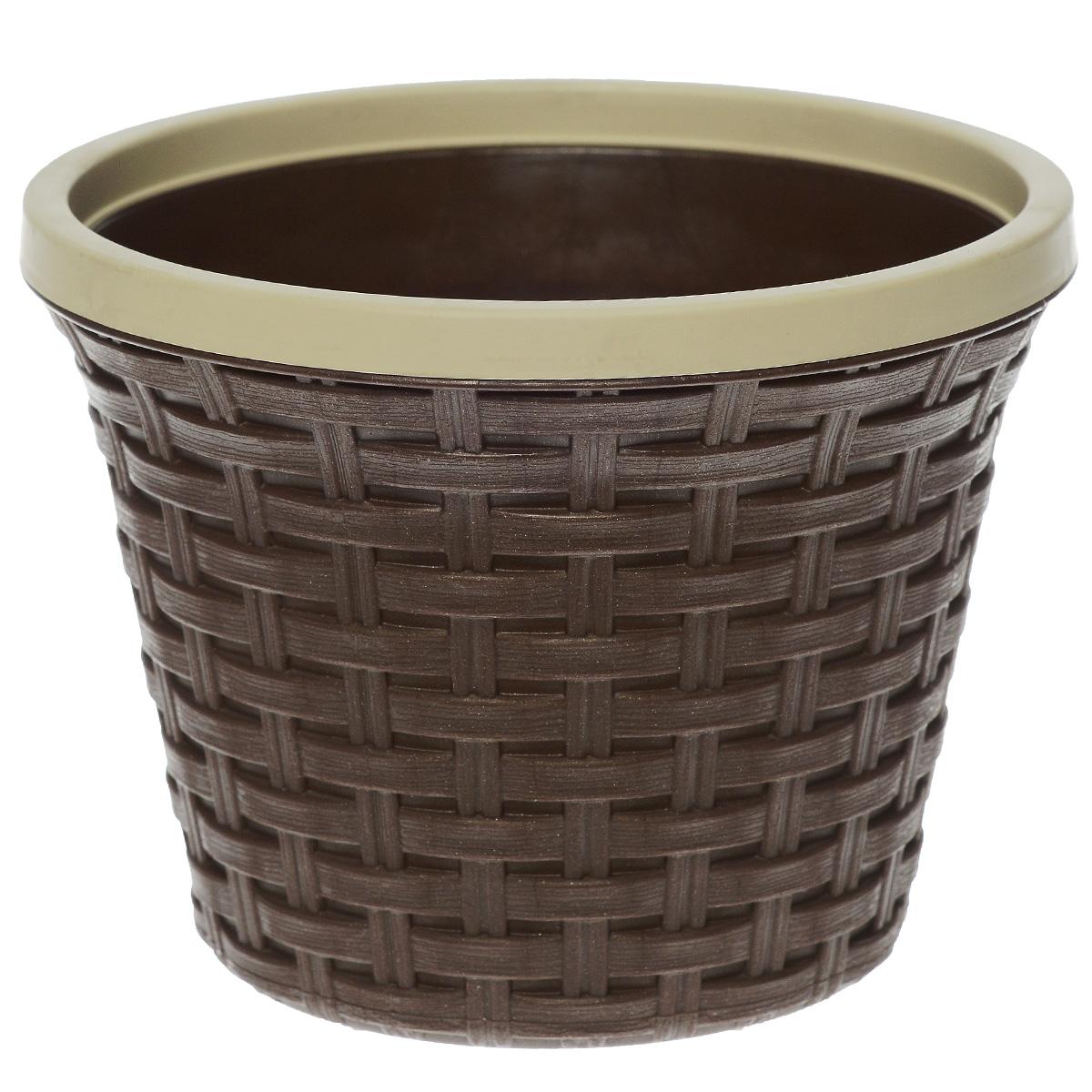 Кашпо Violet Ротанг, с дренажной системой, цвет: коричневый, 2,2 лZ-0307Кашпо Violet Ротанг изготовлено из высококачественного пластика и оснащено дренажной системой для быстрого отведения избытка воды при поливе. Изделие прекрасно подходит для выращивания растений и цветов в домашних условиях. Лаконичный дизайн впишется в интерьер любого помещения.Объем: 2,2 л.