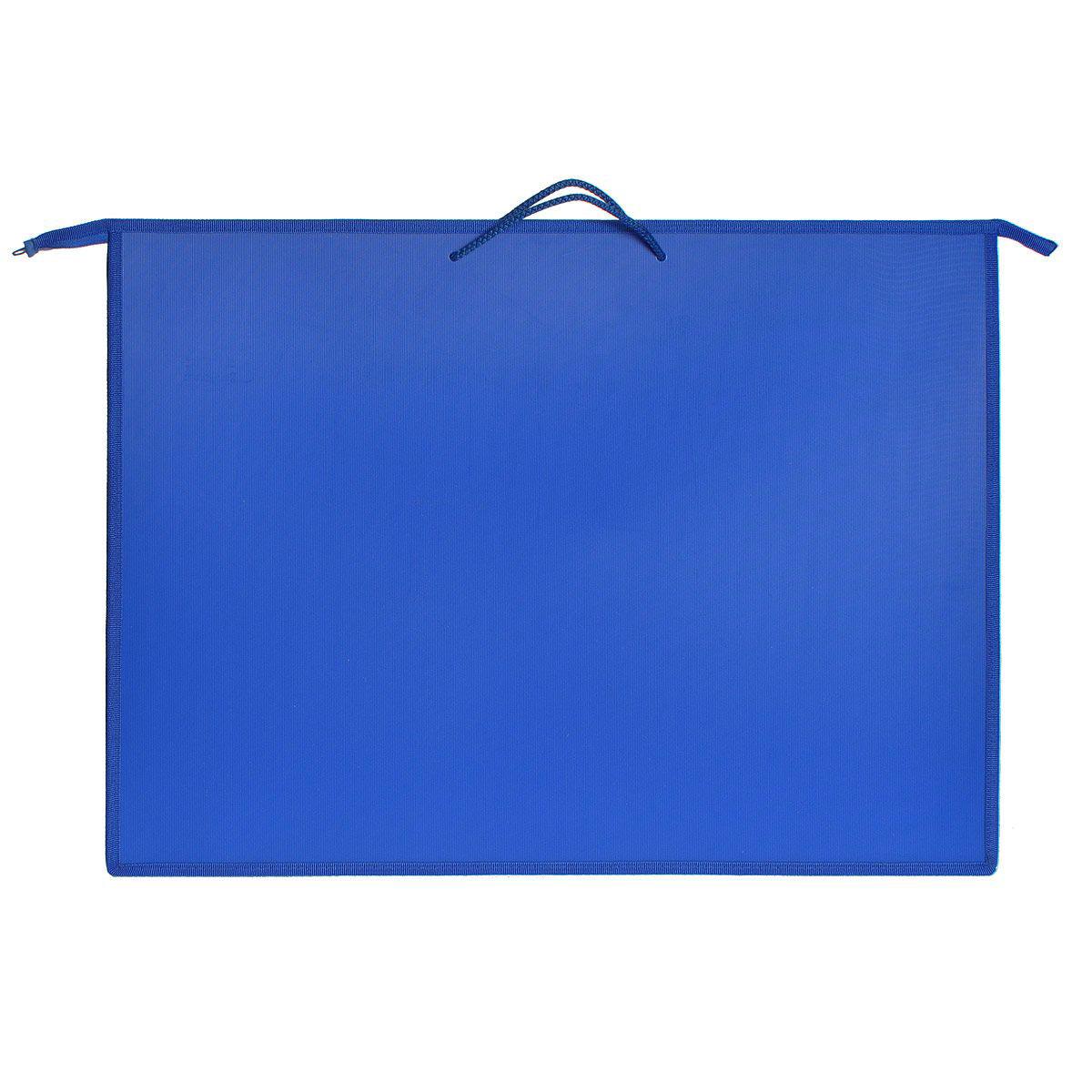 Оникс Папка для чертежей и рисунков, цвет: синий, формат А2K11185Папка для чертежей и рисунков Оникс предназначена для хранения чертежей, рисунков и прочих бумаг с максимальным форматом А2. Папкавыполнена из прочного материала синего цвета и содержит одно отделение. Надежная застежка-молния обеспечивает максимальный комфорт виспользовании изделия, позволяя быстро открыть и закрыть папку. Внутри папки находится небольшой широкий карман на застежке-молнии, предназначенный для пишущих принадлежностей, кистей и других мелочей. Карман оформлен изображениями забавных животных. Папка снабжена двумя текстильными ручками для переноски.