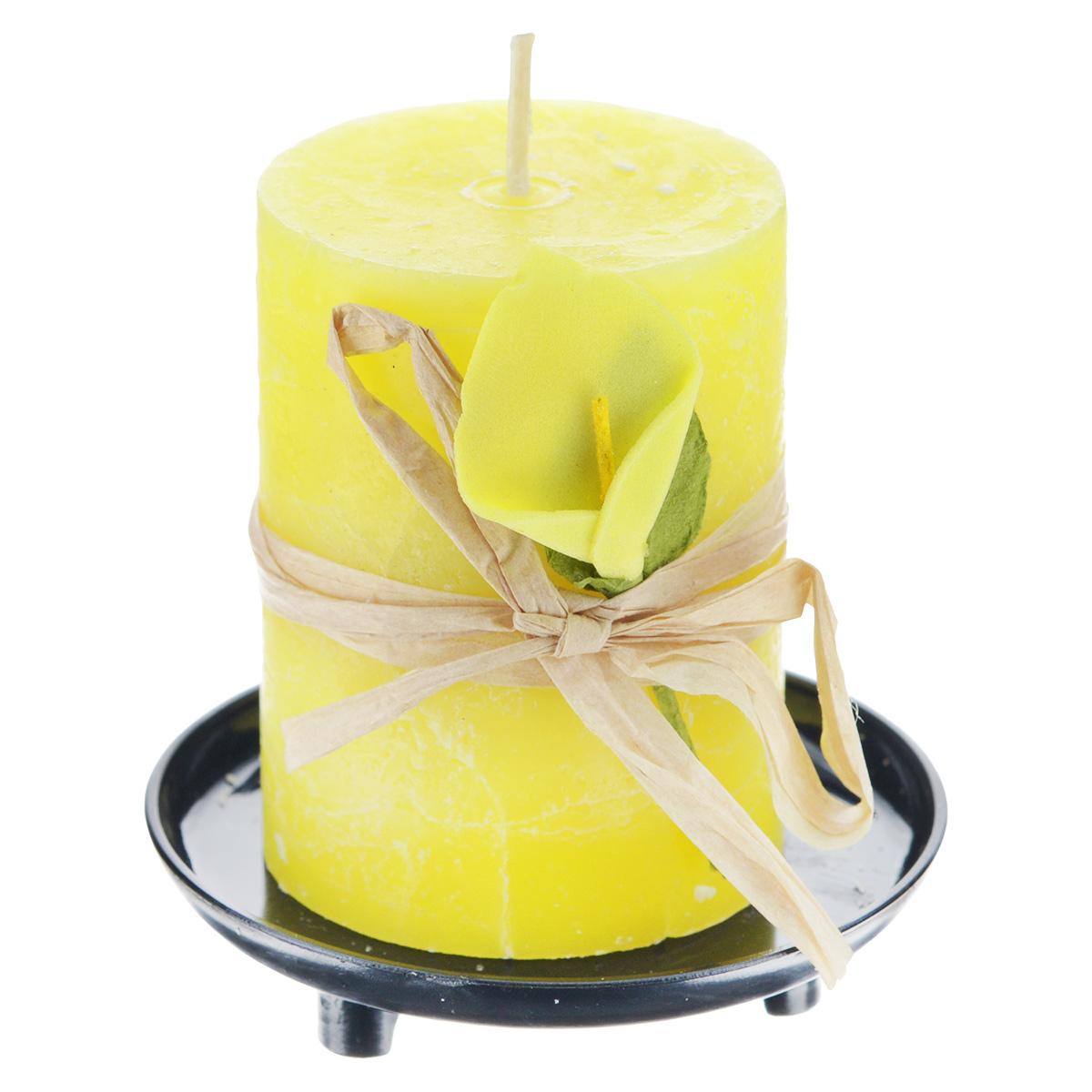 Свеча ароматизированная Sima-land Манго, на подставке, высота 6 см74-0060Свеча Sima-land Манго выполнена из воска в виде столбика. Свеча порадует ярким дизайном и насыщенным ароматом манго, который понравится как женщинам, так и мужчинам. Изделие размещено на оригинальной пластиковой подставке.Создайте для себя и своих близких незабываемую атмосферу праздника в доме. Ароматическая свеча Sima-land Манго раскрасит серые будни яркими красками.Высота свечи (без учета подставки): 6 см. Высота подставки: 1,5 см.