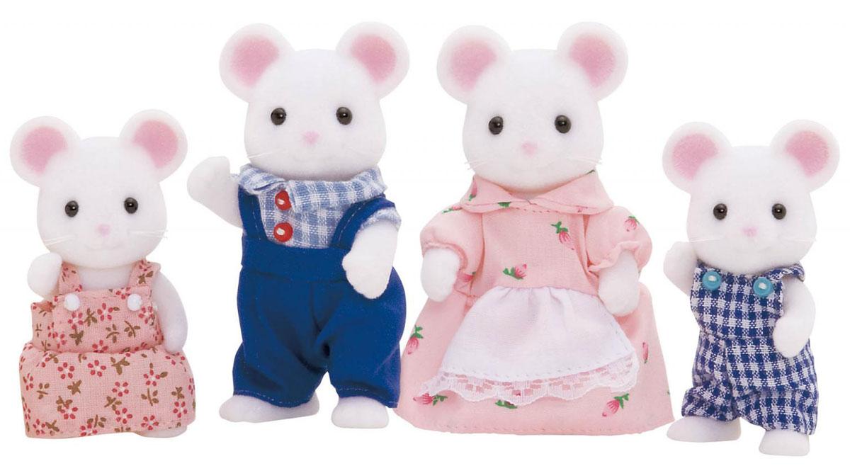 """Игровой набор """"Семья Белых Мышей"""" состоит из четырех фигурок веселых мышек: мамы, папы, дочки и сына. Такая семья непременно понравится вашему малышу, и он сможет придумывать для них свои истории. Компания была основана в 1985 году, в Японии. """"Sylvanian Families"""" очень популярен в Европе и Азии, и, за долгие годы существования, компания смогла добиться больших успехов. 3 года подряд в Англии бренд """"Sylvanian Families"""" был признан """"Игрушкой Года"""". Сегодня у героев """"Sylvanian Families"""" есть собственное шоу, полнометражный мультфильм и сеть ресторанов, работающая по всей Японии. А главным событием уходящего года стала премьера мюзикла. """"Sylvanian Families"""" - это целый мир маленьких жителей, объединенных общей легендой. Жители страны """"Sylvanian Families"""" - это кролики, белки, медведи, лисы и многие другие. У каждого из них есть дом, в котором есть все необходимое для счастливой жизни. В городе, где живут герои, есть школа, больница, рынок, пекарня, детский сад и..."""