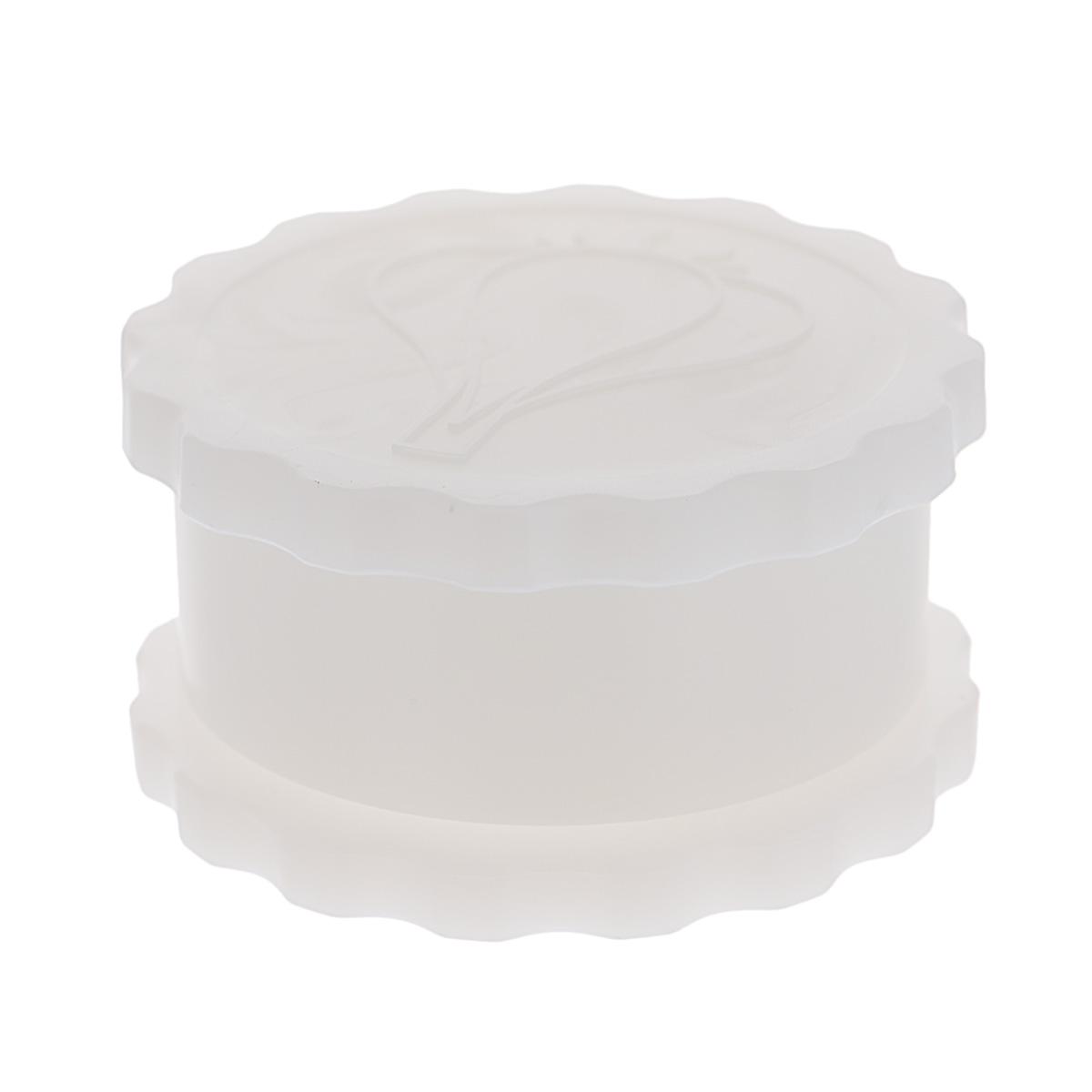 Измельчитель чеснока Альтернатива, цвет: белый, диаметр 8 см115510Измельчитель Альтернатива, выполненный из высокопрочного пластика, предназначен для быстрого измельчения зубчиков чеснока. Прибор также можно использовать для отделения головок чеснока от шелухи. Измельчитель очень прост в использовании: положите внутрь чеснок и покрутите крышку, придерживая основание. Прибор быстро и без отходов измельчит чеснок. Пригоден для мытья в посудомоечной машине.Диаметр измельчителя: 8 см.Высота измельчителя: 4,5 см.