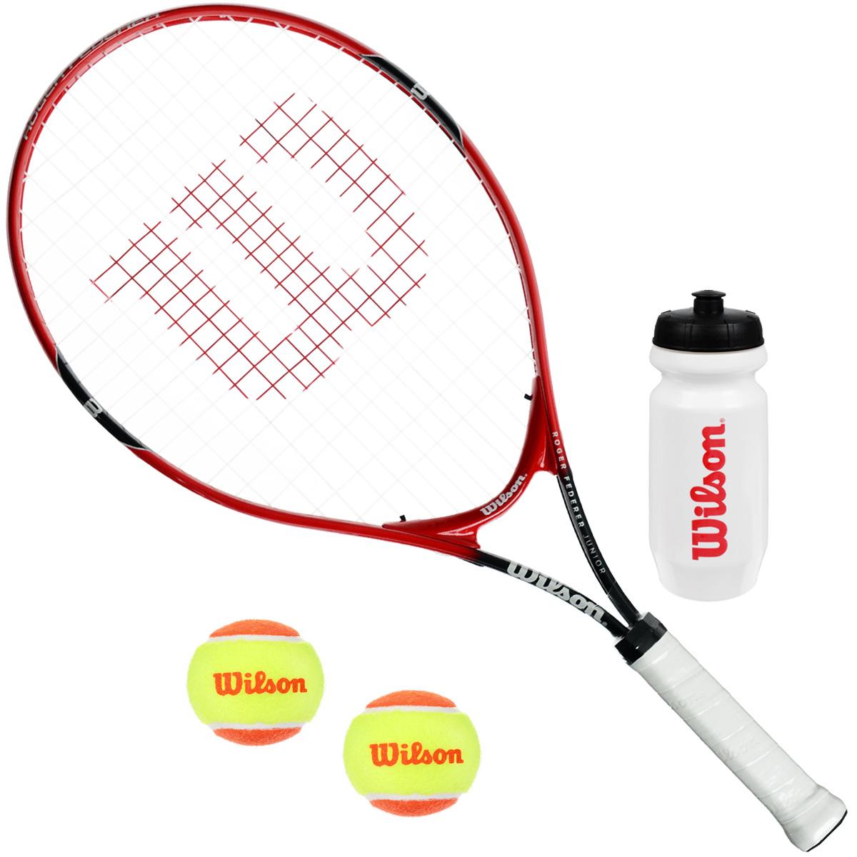 """Wilson """"Roger Federer Starter"""" - это самый правильный выбор для детей всех возрастов. Большая игровая зона ракетки - залог точности в каждом ударе. Изделие оснащено обтекаемой рамкой и увеличенным игровым пятном. В комплект также входит 2 теннисных мяча Stage 2, бутылка для воды и чехол для переноски и хранения. Диаметр мячей: 5 см. Высота бутылки: 19,5 см. Диаметр бутылки: 6,5 см."""