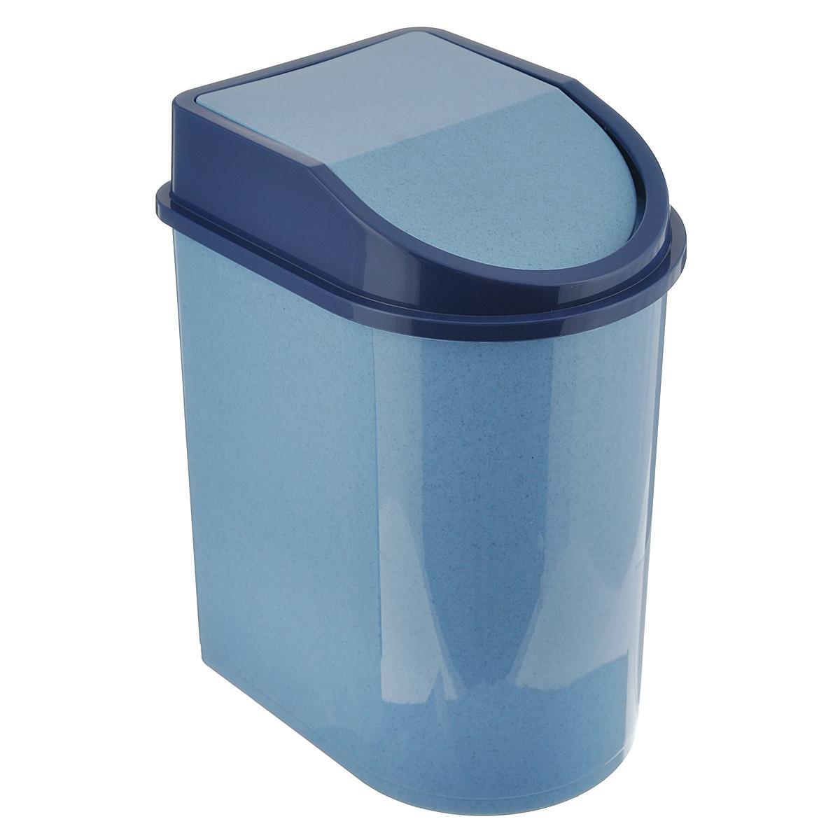 Контейнер для мусора Idea, цвет: голубой мрамор, 5 лOLIVIERA 75012-5C CHROMEМусорный контейнер Idea, выполненный из прочного полипропилена (пластика), не боится ударов и долгих лет использования. Изделие оснащено плавающей крышкой, с помощью которой его легко использовать. Крышка плотно прилегает, предотвращая распространение запаха. Вы можете использовать такой контейнер для выбрасывания разных пищевых и не пищевых отходов. Контейнер может пригодиться также в ванной комнате или у туалетного столика.