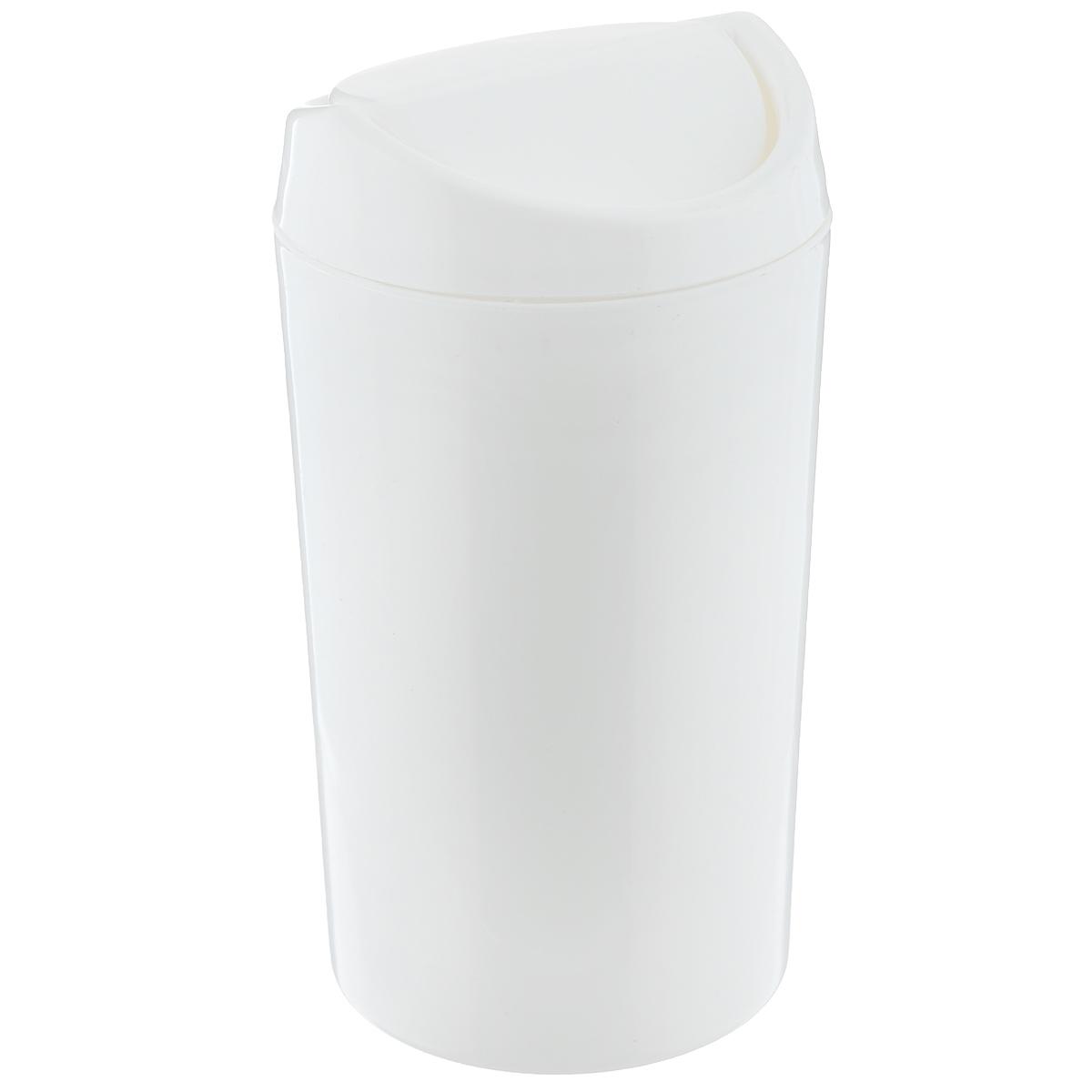 Контейнер для мусора Бытпласт, цвет: белый, 1,25 л531-105Однотонный контейнер для мусора Бытпласт изготовлен из прочного пластика. Такой аксессуар очень удобен в использовании как дома, так и в офисе. Контейнер снабжен удобной поворачивающейся крышкой. Стильный дизайн сделает его прекрасным украшением интерьера.