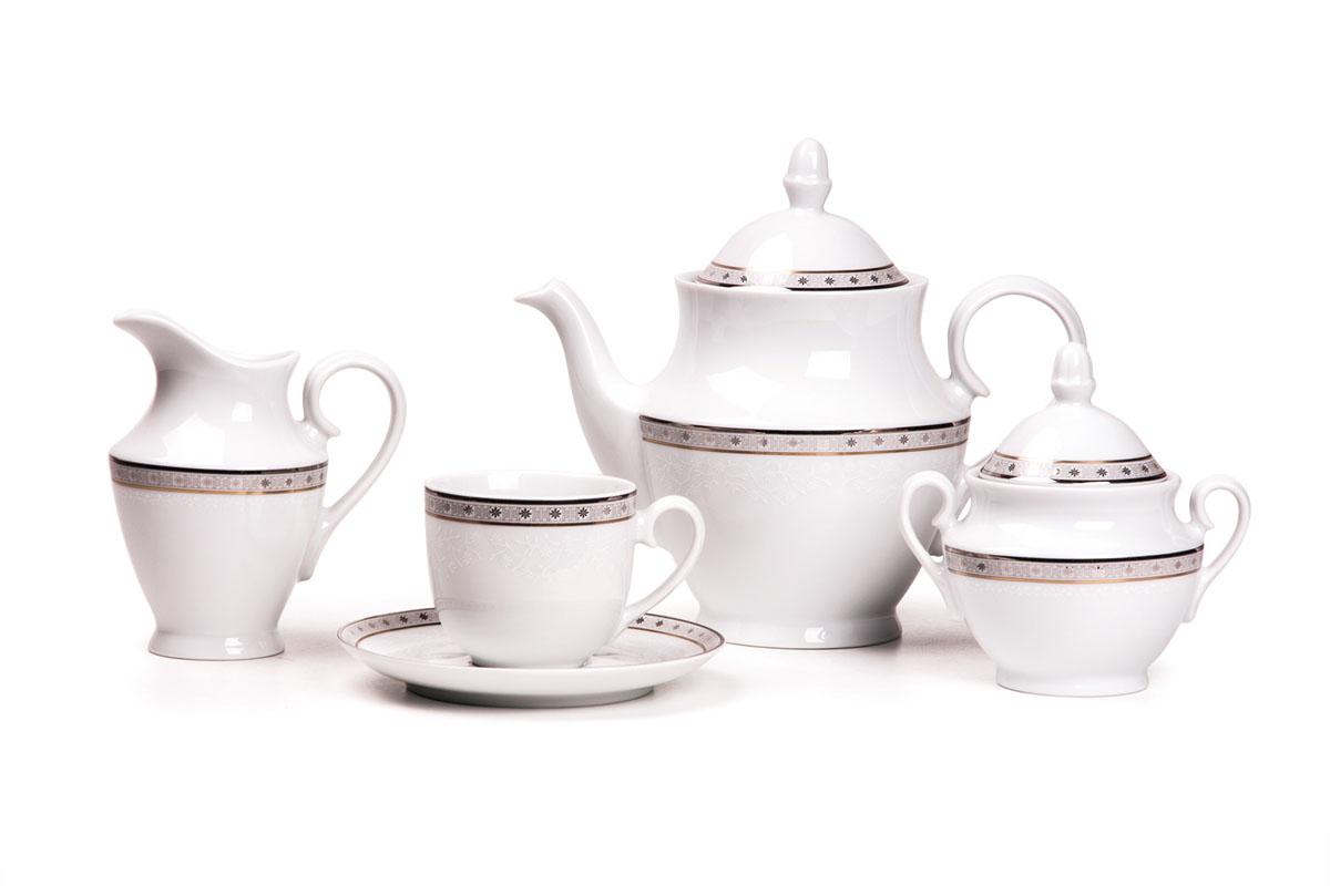 Сервиз чайный 15пр, цвет: белый с платинойVT-1520(SR)Чайник 1 л, сахарница 280мл, молочник 290мл, чайная пара 210 мл *6 штук. Фарфор фабрики Tunisie Porcelaine, производится в Тунисе из знаменитой своим качеством и белизной глины, добываемой во французской провинции Лимож.Преимущества этого фарфора заключаются в устойчивости к сколам и трещинам, что возможно благодаря двойному термическому обжигу. Европейский дизайн, декор и формы обеспечиваются за счет тесного сотрудничества фабрики с ведущими мировыми дизайн-бюро такими как: Nelly Reynal, Yves De la Rosiere, Sarah Anderson, Heracles. Материал: фарфор: цвет: белый с платинойСерия: TANIT