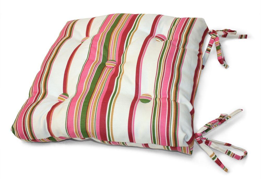 Подушка на стул Флора, цвет: розовый, белый, 40 см х 40 смVT-1520(SR)Подушка на стул Флора выполнена из хлопка и полиэстера с ярким полосатым принтом, наполнена мягким полиэфиром и украшена пятью декоративными пуговицами, обтянутыми тканью. Подушка легко крепится к стулу с помощью четырех завязок. Длина каждой завязки: 32 см. Чехол несъемный.Правильно сидеть - значит сохранить здоровье на долгие годы. Жесткие сидения подвергают наше здоровье опасности. Подушка с наполнителем из полиэфира поможет предотвратить многие беды, которыми грозит сидячий образ жизни.