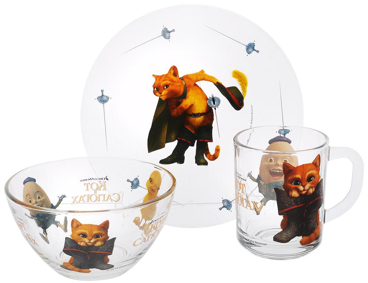 Dream Works Набор посуды Кот в сапогах, 3 предметаFS-91909Красочный набор посуды Кот в сапогах, выполненный из качественного стекла, идеально подойдет для повседневного использования.В комплект входят: тарелка с диаметром 19,5 см, салатник диаметром 12,5 см и кружка объемом 250 мл. Все предметы выполнены в оригинальном дизайне с изображением героев из мультфильма Кот в сапогах. Набор упакован в коробку из плотного картона.