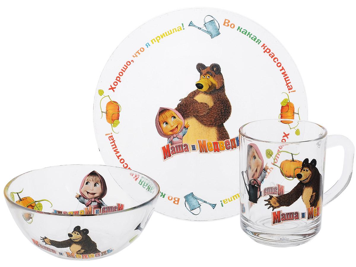 Маша и Медведь Набор посуды Огород, 3 предметаT400-01YКрасочный набор посуды Маша и Медведь. Огород, выполненный из качественного стекла, идеально подойдет для повседневного использования.В комплект входят: тарелка с диаметром 19 см, пиала объемом 500 мл и кружка объемом 250 мл. Все предметы выполнены в оригинальном дизайне с изображением забавных героев из мультфильма Маша и Медведь. Набор упакован в коробку из плотного картона.Набор посуды непременно доставит массу удовольствия своему обладателю. Допустимо использование в посудомоечной машине и СВЧ. Рекомендуется для детей от: 3 лет.