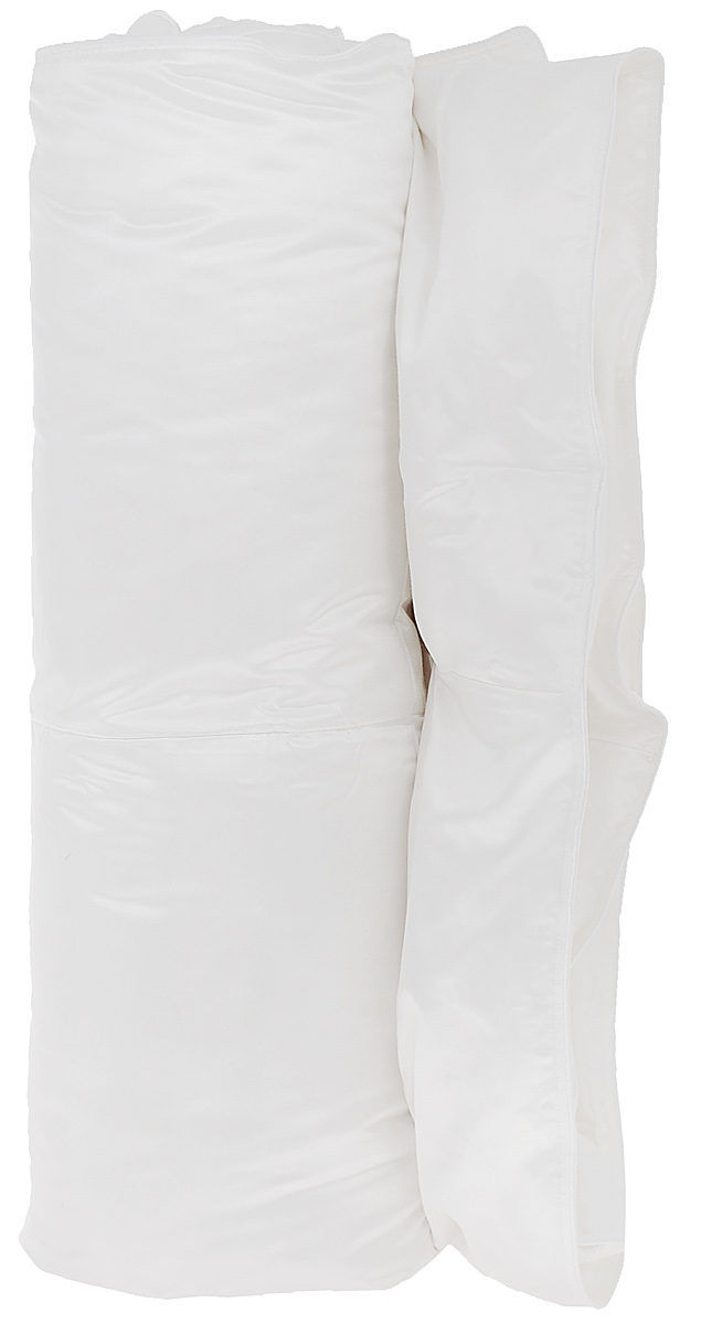 Одеяло Primavelle Silvia, наполнитель: гусиный пух, цвет: белый, 140 см х 205 см531-105Чехол одеяла Primavelle Silvia выполнен из 100% шелка. Наполнитель одеяла состоит из 100% гусиного пуха Экстра. Стежка надежноудерживает наполнитель внутри и не позволяет ему скатываться.Белый гусиный пух для этой линии собирается вручную, проходит гипоаллегенную и антиклещевую обработки. Строгие климатические условия Сибири делают гусиный пух невероятно крупным, упругим и легким. Натуральный шелк идеально удерживает пуховое сокровище внутри. Шелк – это удивительный материал: легкий, изысканный, струящийся, обладающий гигроскопичностью и отличной терморегуляцией, повышенной износостойкостью. Пуховые постельные принадлежности в чехле из натурального шелка будут дарить вам здоровый и комфортный сон круглый год. Под таким одеялом будет тепло зимой и комфорт. Primavelle Silvia имеет кассетное распределение пуха, т.е. в каждую камеру пух задувается отдельно. Такое распределение пуха позволяет на долгие годы сохранять великолепную форму одеяла.Одеяло упаковано в тканевый чехол с одной пластиковой стороной на змейке с ручкой, что являетсячрезвычайно удобным при переноске.Рекомендации по уходу:- Допускается стирка при 30 градусах в деликатном режиме,- Нельзя отбеливать. При стирке не использовать средства, содержащие отбеливатели (хлор),- Не гладить. Не применять обработку паром,- Сухая чистка,- Допускается только горизонтальная сушка в машине в щадящем режиме. Размер одеяла: 140 см х 205 см. Материал чехла: 100% хлопок. Материал наполнителя: 100% гусиный пух Экстра (95% пух, 5% перо).
