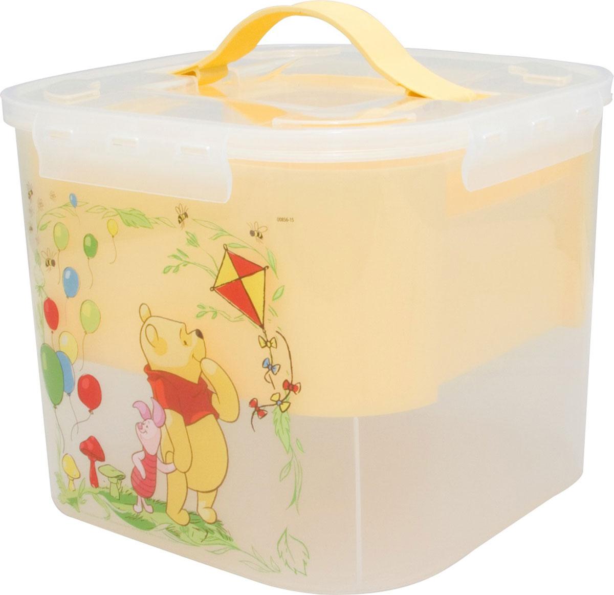Контейнер для детских принадлежностей Disney, цвет: банановый, 7 лМ 2824-ДТри ярких дизайна из вселенной Disney – «Винни пух», «Мари»и «Далматинцы» . Новые контейнеры порадуют детей своим дизайном, а родителей вместительностью и удобством использования.В каждом изделии имеется дополнительный цветной вкладыш, который облегчает процесс хранения, поиска необходимого в контейнере.Изготовлены из пищевой пластмассы поэтому абсолютно безопасны для хранения продуктов, детских игрушек, канцелярских принадлежностей и др.Прочные ручки из эластопласта легко выдвигаются и убираются, когда это необходимо.Защелки крышки открываются/закрываются легко и надежно