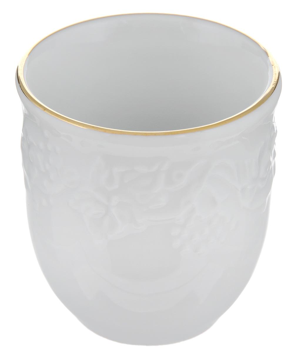 Подставка для зубочисток La Rose Des Sables Vendanges, цвет: белый, золотистый115510Подставка для зубочисток La Rose Des Sables Vendanges, выполненная из высококачественного фарфора, оформлена рельефным изображением цветов. Эксклюзивный дизайн, эстетичность и функциональность подставки сделают ее незаменимым аксессуаром на любой кухне. Прекрасно подойдет для сервировки праздничного стола.Диаметр подставки (по верхнему краю): 4,5 см.Высота подставки: 5 см.