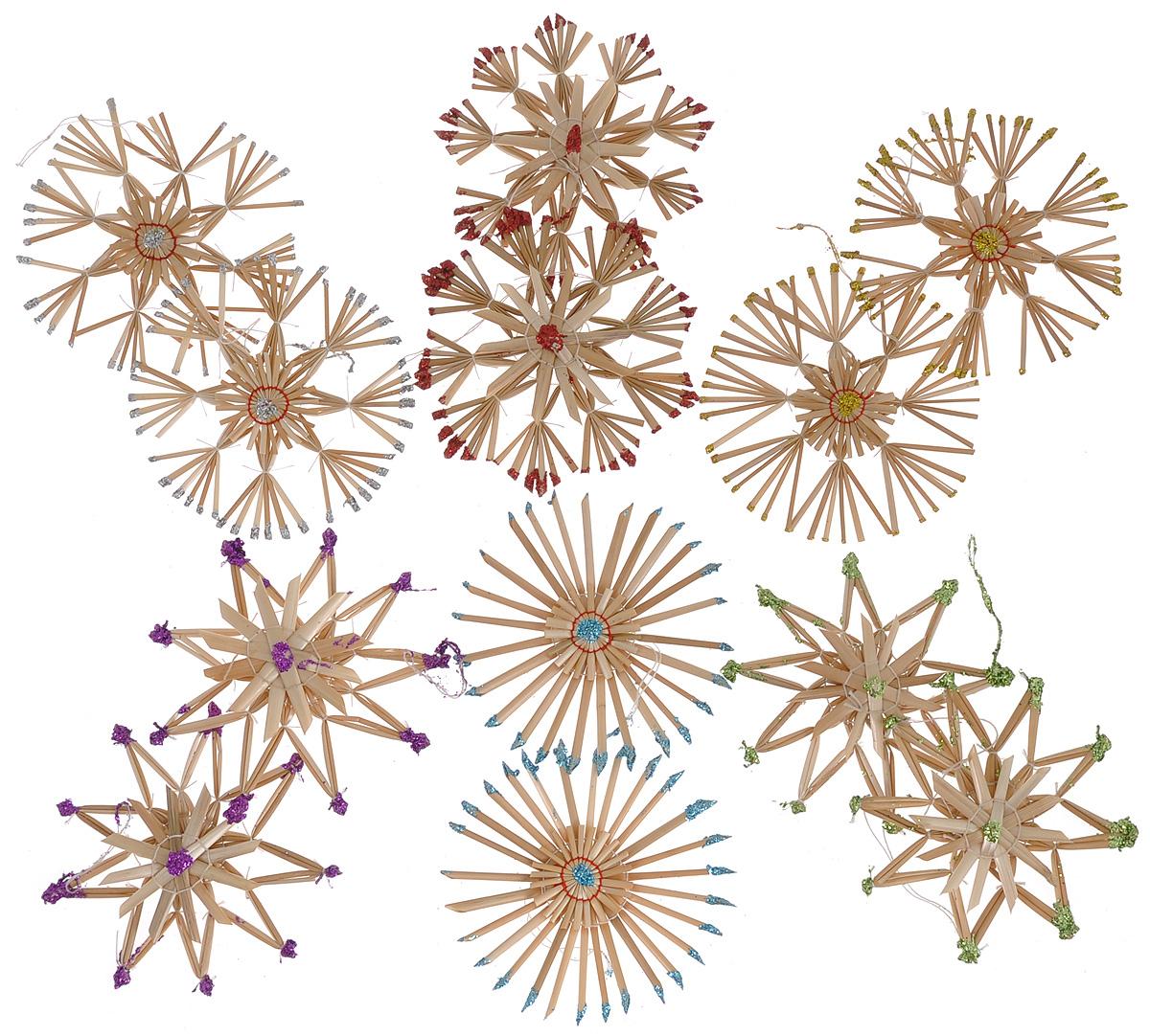 Набор новогодних подвесных украшений Феникс-презент Радуга, 12 штNLED-454-9W-BKНабор Феникс-презент Радуга, состоящий из 12 новогодних подвесных украшений, отлично подойдет для декорации вашего дома и новогодней ели. Изделиявыполнены из соломы в виде снежинок и звезд, оформленных блестками. Украшения имеют специальные петельки для подвешивания. Коллекция декоративных украшений Феникс-презент Радуга принесет в ваш дом ни с чем не сравнимое ощущение праздника!Средний размер украшения: 10,5 см х 11 см.