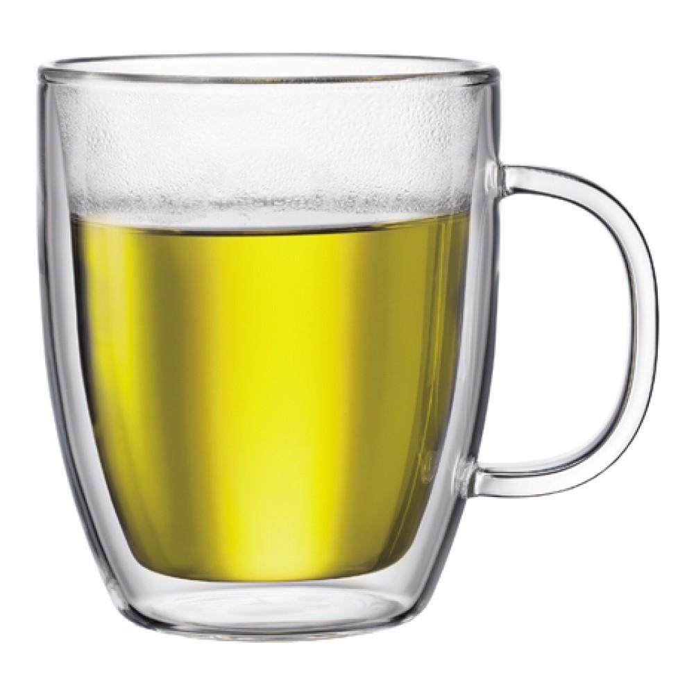 Набор термокружек Bodum Bistro, 451 мл, 2 штVT-1520(SR)Набор Bodum Bistro состоит из двух термокружек, выполненных из боросиликатного стекла ручной работы. Подходит для горячих и холодных напитков. Изделие имеет двойные стенки: слой воздуха, создающий вакуум между двумя слоями стекла, долго сохраняет температуру напитка. Таким образом, ваше пиво или мартини будет холодным, а глинтвейн, капучино или чай - горячим. Кроме того, невозможно обжечься, так как внешние стенки термокружек не нагреваются. Такой набор термокружек станет полезным приобретением для кухни и позволит наслаждаться вашими любимыми напитками. Можно мыть в посудомоечной машине, ставить в СВЧ и холодильник.Диаметр (по верхнему краю): 10 см. Высота стенки: 12 см.