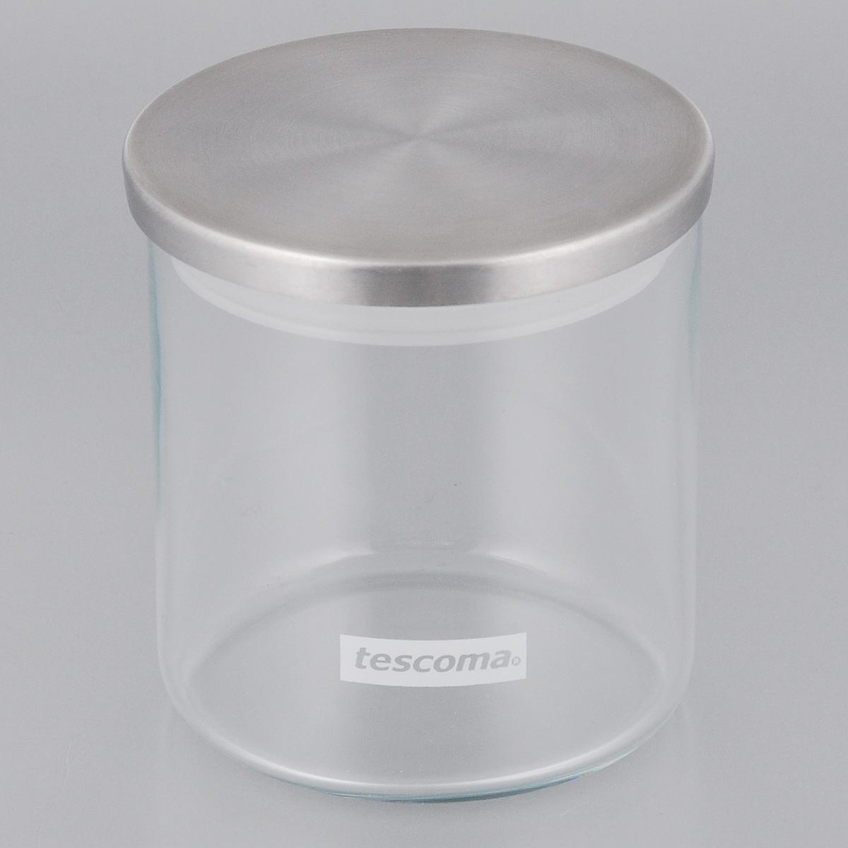 Емкость для специй Tescoma Monti, цвет: прозрачный, металлик, 0,5 лVT-1520(SR)Емкость для специй Tescoma Monti, изготовленная из прочного боросиликатного стекла, позволит вам хранить разнообразные специи. Емкость оснащена плотно прилегающей крышкой, изготовленной из первоклассной нержавеющей стали и прочной пластмассы и снабженная силиконовой прокладкой. Емкость для хранения специй станет незаменимым помощником на кухне.Можно мыть в посудомоечной машине, крышку - нельзя. Диаметр по верхнему краю: 9,5 см.Диаметр дна: 9 см.Высота без учета крышки: 10 см.Высота с учетом крышки: 10,5 см.Объем: 0,5 л.