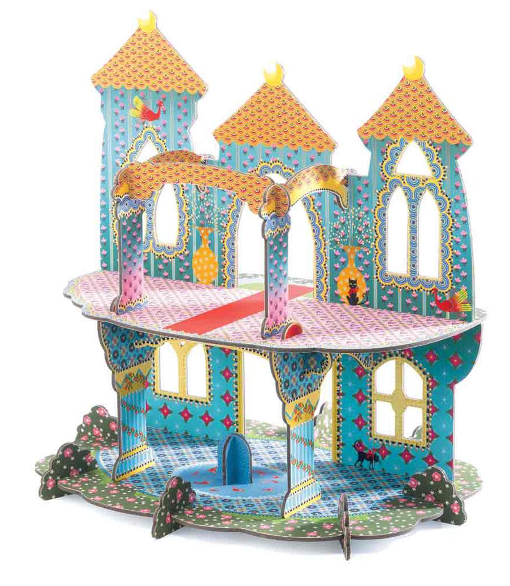 """Объемный конструктор Djeco """"Замок чудес"""" порадует вашу малышку. Он включает 20 красочных элементов, выполненных из очень крепкого картона, из которых собирается великолепный объемный замок. Схематичная инструкция позволит это сделать правильно и быстро. Двухэтажный замок станет красивым фоном для игр с куклами, принцессами и прочими любимыми игрушками вашей девочки."""