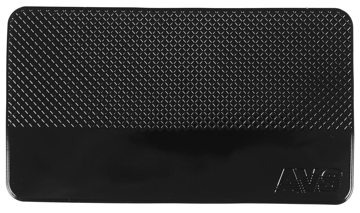 Коврик противоскользящий AVS, 14 см х 8 смFS-80423Противоскользящий нано коврик AVS прямоугольной формы надежно удержит ваш мобильный телефон, MP3, GPS или очки на приборной панели. Благодаря специальной структуре поверхности, препятствует соскальзыванию предметов при движении автомобиля. Нано коврик фиксирует предметы даже на наклонных поверхностях с углом наклона 60°-90°. На горизонтальных поверхностях удерживающий эффект усиливается. Удерживает любые предметы без использования клея или магнита: телефон, ключи, документы, кошелек и другие вещи автомобилиста. Коврик изготовлен из абсолютно безвредного полиуретана. Стильный и удобный, прост в установке и использовании. Размещается без использования каких-либо клеящих средств. Устойчив к температурному воздействию и ультрафиолетовому излучению. Не липкий, не собирает пыль и грязь.