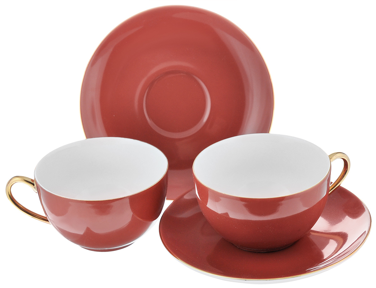 Набор чайный La Rose Des Sables Monalisa, цвет: красный, золотистый, 4 предмета115510Чайный набор La Rose Des Sables Monalisa состоит из двух чашек и двух блюдец. Предметы набора изготовлены из высококачественного фарфора. Изящный дизайн придется по вкусу и ценителям классики, и тем, кто предпочитает утонченность и изысканность. Он настроит на праздничный лад и подарит хорошее настроение с самого утра. Чайный набор - идеальный и необходимый подарок для вашего дома и для ваших друзей в праздники, юбилеи и торжества! Он также станет отличным корпоративным подарком и украшением любой кухни. Не рекомендуется использовать в микроволновой печи и мыть в посудомоечной машине.Объем чашки: 210 мл. Диаметр чашки (по верхнему краю): 9,5 см.Высота чашки: 5 см.Диаметр блюдца: 15 см.