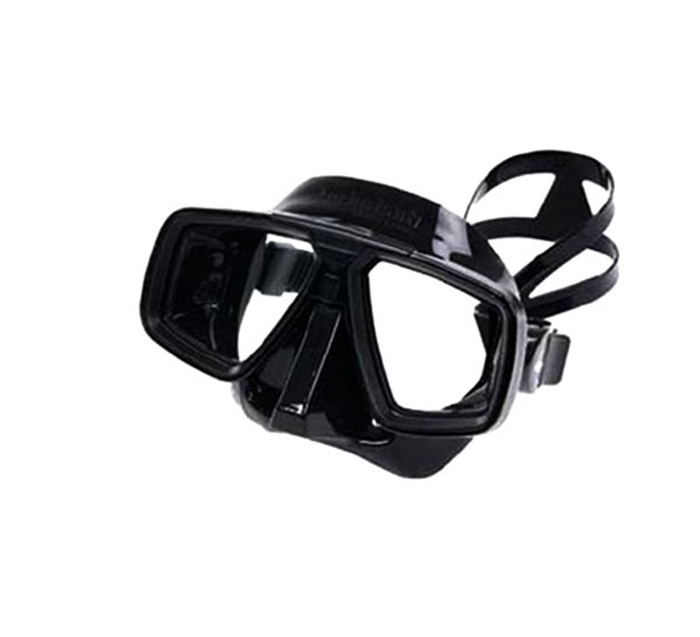 Маска для подводного плавания Technisub Look (Black), черный силиконTN100860Маска Technisub Look - лидер по объему продаж во всем мире на протяжении десяти лет благодаря использованию в ней материалов высочайшего качества. Идеально подходит к различным типам лица.Обтюратор и ремешок маски сделаны из качественного силикона, обеспечивающего мягкость и плотность прилегания в сочетании с комфортом. Силикон LSR не вызывает аллергию, а также сочетает отличную степень прозрачности с устойчивостью к воздействию ультрафиолетовых лучей в отличии резины. Корпус маски сделан из высокопрочного поликарбоната. Особенности модели: двухлинзовая маска;приближенные к лицу линзы обеспечивают максимальный угол обзора;быстрая и легкая регулировка натяжения ремешка;поворотные пряжки ремешка для большего комфорта;возможна установка положительных или отрицательных диоптрических линз. Линзы маски традиционно выполнены из каленого стекла, что обеспечивает безопасность.Простые линзы можно заменить на линзы с диоптриями: бисимметричные от -1,0 до -10,0 с шагом 0,5.бифокальные от +1,5 до +3,0 с шагом 0,5. Советы: Как пользоваться маской и трубкойОсновные характеристики: Количество линз: 2. Клапан: нет. Обтюратор: черный.