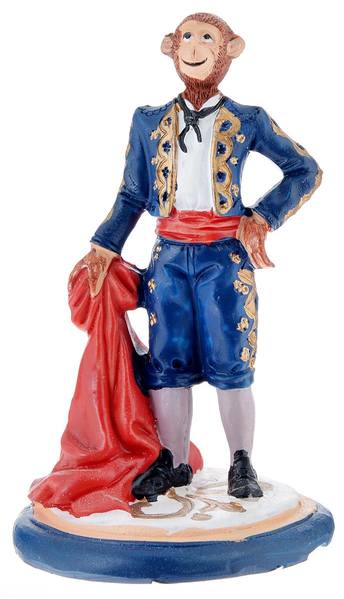 Фигурка декоративная Обезьяна-тореадор, высота 12 см09840-20.000.00Декоративная фигурка Обезьяна-тореадор станет оригинальным подарком для всех любителей стильных вещей. Сувенир выполнен из высококачественной полирезины в виде обезьяны в костюме. Изысканный сувенир станет прекрасным дополнением к интерьеру. Вы можете поставить фигурку в любом месте, где она будет удачно смотреться и радовать глаз.