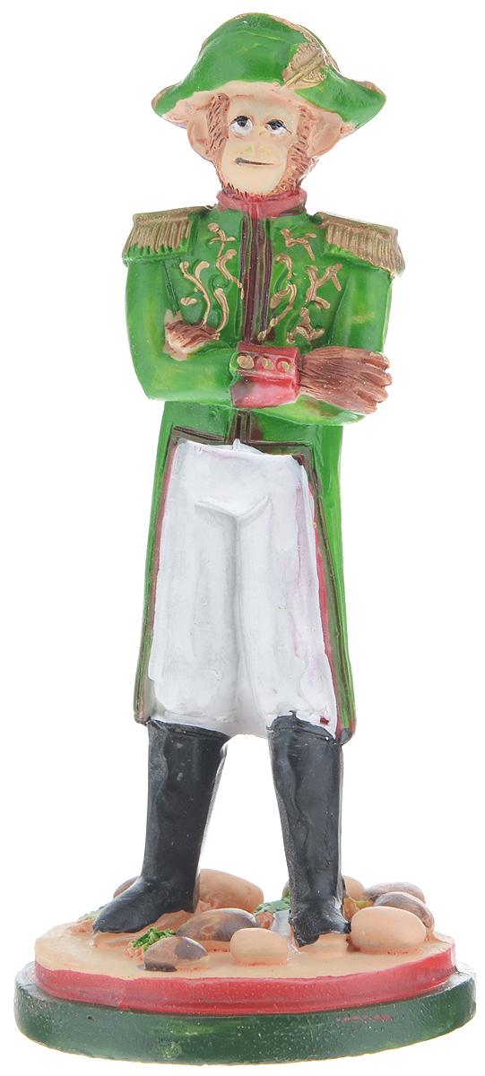 Фигурка декоративная Обезьяна-Наполеон, высота 12 см35019Декоративная фигурка Обезьяна-Наполеон станет оригинальным подарком для всех любителей стильных вещей. Сувенир выполнен из высококачественной полирезины в форме обезьяны в мундире. Изысканный сувенир станет прекрасным дополнением к интерьеру. Вы можете поставить фигурку в любом месте, где она будет удачно смотреться и радовать глаз.