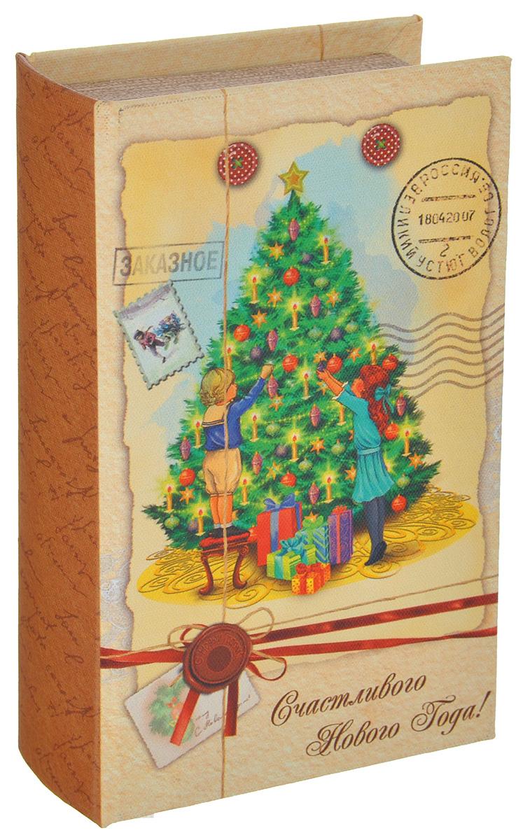Шкатулка декоративная Новогоднее письмо, цвет: светло-желтый, коричневый, зеленый, 17 см х 11см х 5 смБрелок для ключейЯркая декоративная шкатулка Новогоднее письмо, выполненная из МДФ, не оставит равнодушным ни одного любителя оригинальных вещей. Изделие украшено оригинальном рисунком и закрывается на магнит. Такая шкатулка украсит интерьер вашей комнаты и станет не только декоративным, но и практичным аксессуаром - ее можно использовать для хранения украшений и мелочей.