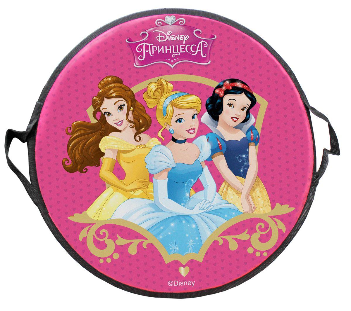 DISNEY Принцесса Ледянка круглая Disney Принцессы 52 смХот ШейперсЛедянка Disney Принцессы станет прекрасным подарком. Изделие предназначено катания с горок и идеально подойдет для девочек. Ледянка развивает на спуске хорошую скорость. Плотные ручки, расположенные по краям изделия помогут не упасть.