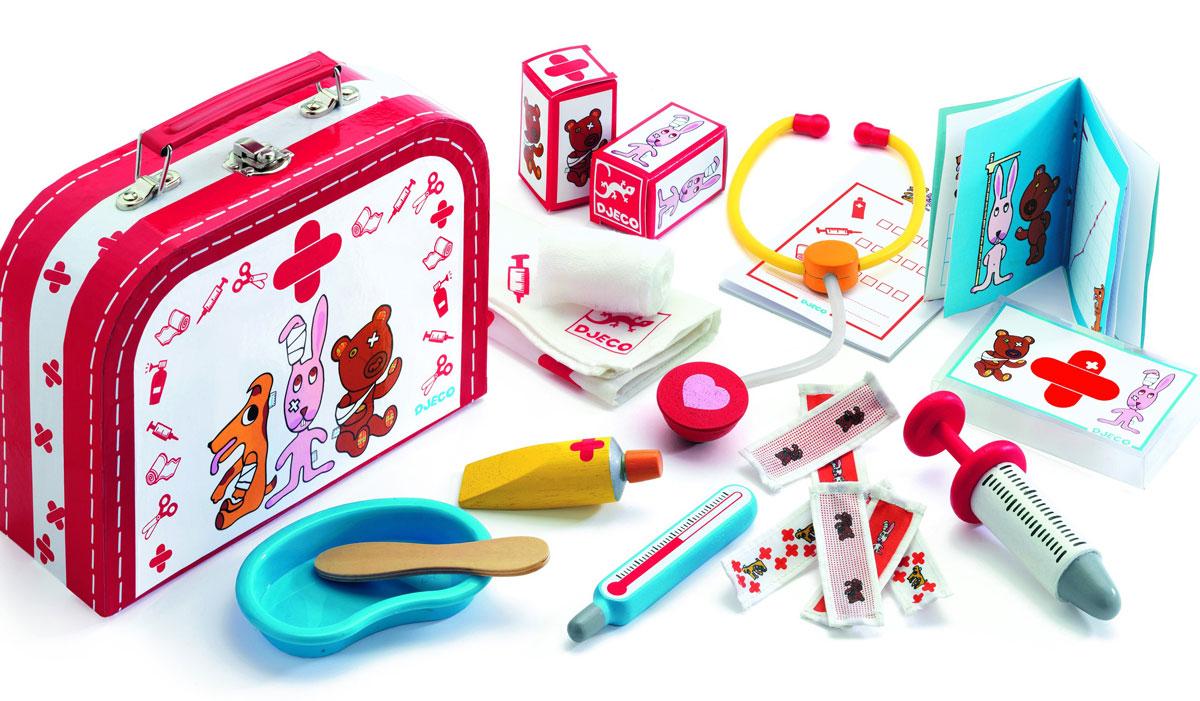 """Замечательная сюжетно-ролевая игра """"Доктор"""" для детей от 3-х лет. Иногда даже игрушки болеют, и кто-то должен о них позаботиться. Ваш малыш с удовольствием будет делать перевязку, послушает трубочкой, сделает укол своим игрушечным животным и куклам. Все предметы в наборе имеют удобные для детских ручек размеры. Набор упакован в яркий жестяной чемоданчик с замком и ручкой. Ваша малышка сможет часами играть с этим замечательным набором, выдумывая различные интересные истории. Такие игры развивают мелкую моторику, социальные навыки и воображение, а также учат гигиене. Порадуйте свою малышку таким замечательным подарком!"""