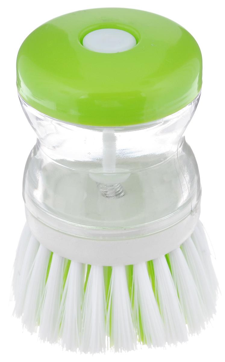 Щетка для посуды с дозатором для моющего средства Фэйт Смайл, цвет: прозрачный, белый, салатовый1601005_зеленыйЩетка для посуды Смайл изготовлена из высококачественного пластика. Изделие оснащено дозатором для моющего средства, который позволяет одним нажатием кнопки на крышке намылить щетину. Это позволяет экономить силы и время на мытье посуды, а также моющее средство. Общий размер щетки: 8,5 см х 6,5 см х 6,5 см. Размер дозатора: 5 см х 5,5 см х 5,5 см. Размер рабочей поверхности (со щетиной): 6,5 см х 6,5 см х 3 см.