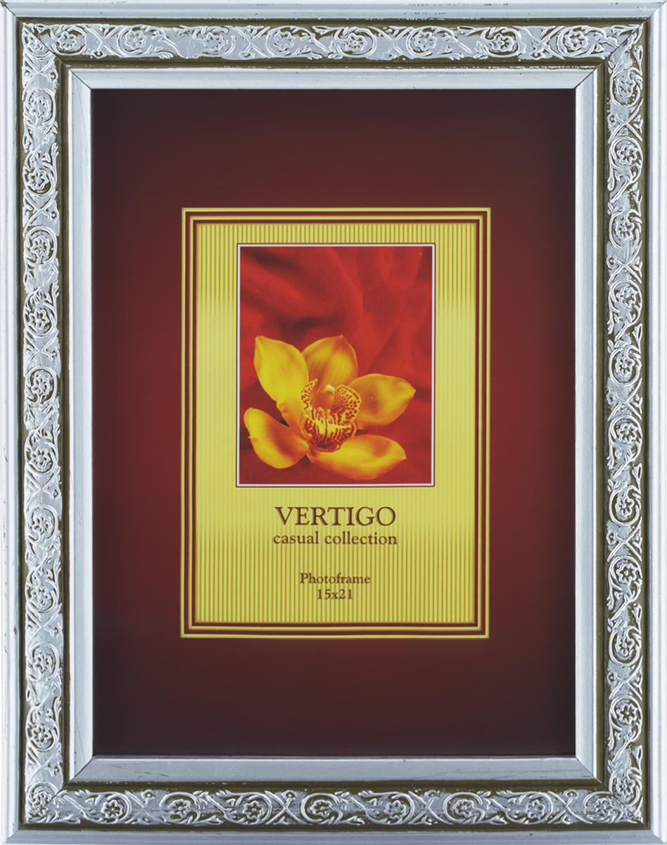 Фоторамка Vertigo Lazio, 15 x 21смБрелок для ключейФоторамка Vertigo Lazio выполнена в классическом стиле из натурального дерева и стекла, защищающего фотографию. Оборотная сторона рамки оснащена специальной ножкой, благодаря которой ее можно поставить на стол или любое другое место в доме или офисе. Также на изделии имеются два специальных отверстия для подвешивания. Такая фоторамка поможет вам оригинально и стильно дополнить интерьер помещения, а также позволит сохранить память о дорогих вам людях и интересных событиях вашей жизни. Размер фотографии: 15 см x 21см.