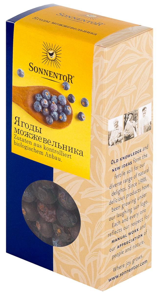 Sonnentor Ягоды можжевельника, 35 г0120710У ягод можжевельника пряный терпкий слегка смолянистый аромат и сладковато-терпкий вкус. Ягоды ценят за содержащееся в них эфирное масло. Пряный аромат делает ягоды можжевельника специальной пряностью для блюд особого рода. Например, блюдам из дичи и квашеной капусте они придают пряный вкус. Используя плоды, можно приготовить вкусный сироп, мармелад, кисель, желе, настойку.