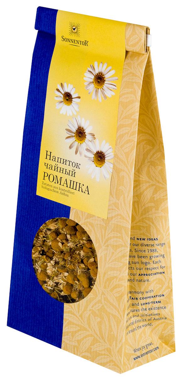 Sonnentor Ромашка листовой травяной чай, 50 г0120710Ромашки цветы-бальзам для души.Свежий ромашковый чай Sonnentor из высококачественных цветков, собранных с экологически чистых полей Австрии имеет пряно-ароматный вкус. Чай можно пить с медом и сахаром, а частичка лимона добавит этому чаю утонченный вкус и аромат. Помимо нежного вкуса и аромата ромашка обладает большим количеством полезных свойств: подходит для восстановления и профилактики расстройств нервной системы. Чай из ромашки имеет выраженное успокаивающее свойство и помогает бороться с бессонницей.