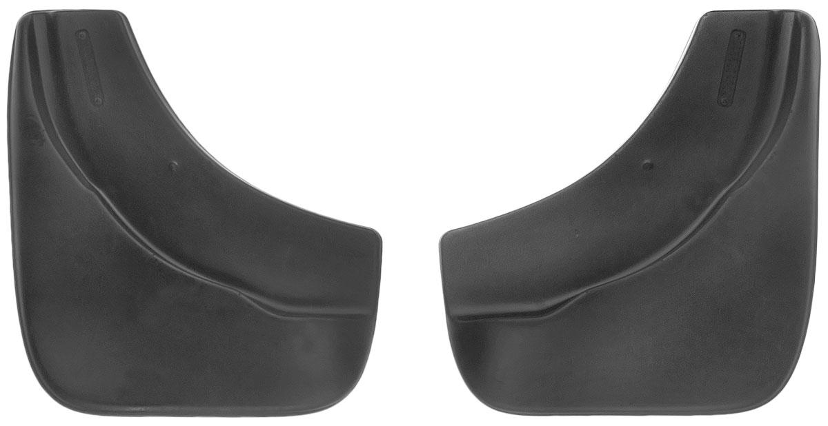 Комплект передних брызговиков L.Locker, для Volkswagen Touareg (02-10), 2 шт7004142151Комплект L.Locker состоит из 2 передних брызговиков, изготовленных из высококачественного полиуретана. Уникальный состав брызговиков допускает их эксплуатацию в широком диапазоне температур: от -50°С до +50°С. Изделия эффективно защищают кузов автомобиля от грязи и воды, формируют аэродинамический поток воздуха, создаваемый при движении вокруг кузова таким образом, чтобы максимально уменьшить образование грязевой измороси, оседающей на автомобиле. Разработаны индивидуально для каждой модели автомобиля. С эстетической точки зрения брызговики являются завершением колесных арок.Установка брызговиков достаточно быстрая. В комплект входят необходимые крепежи и инструкция на русском языке. Комплект подходит для моделей с 2002 по 2010 года выпуска.Комплектация: 2 шт.Размер брызговика: 27 см х 30 см х 3 см.