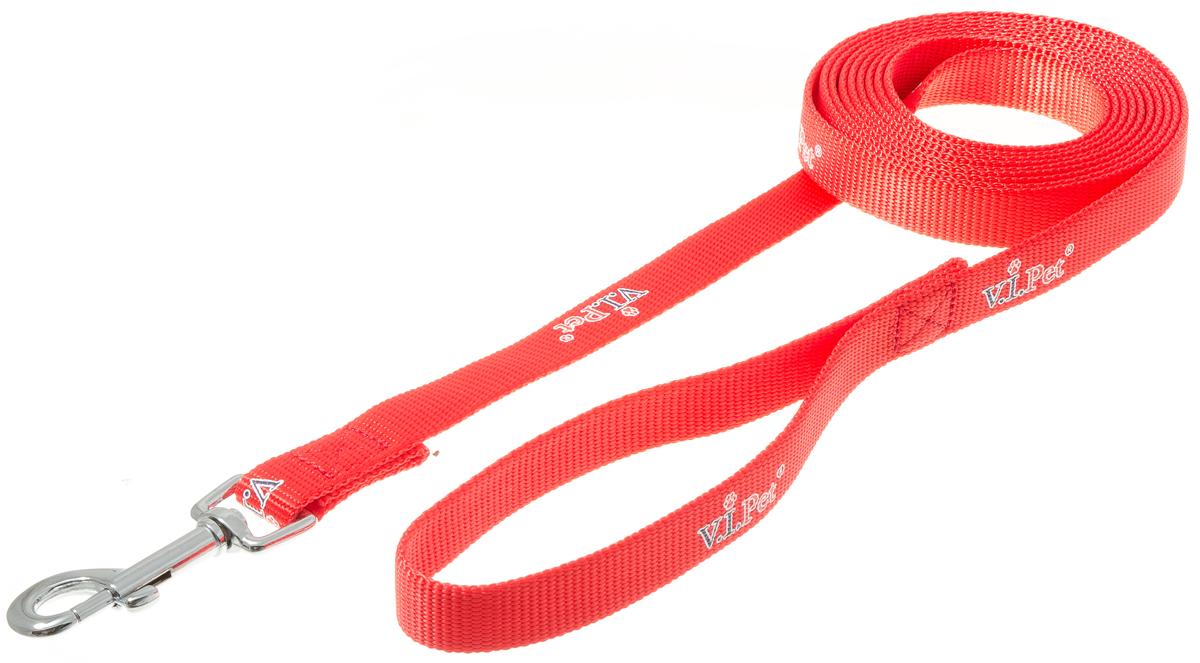 Поводок для собак V.I.Pet, цвет: красный, ширина 20 мм, длина 3 мPEQ-10 BEПоводок с карабином V.I.Pet, изготовленный из нейлона, предназначен для выставок и повседневного выгула. Материал поводка отличается повышенной прочностью, мало подвержен механическому воздействию, поэтому надолго сохранит аккуратный внешний вид и насыщенность цвета. Вращающийся вертлюг карабина предотвращает перекручивание поводка.