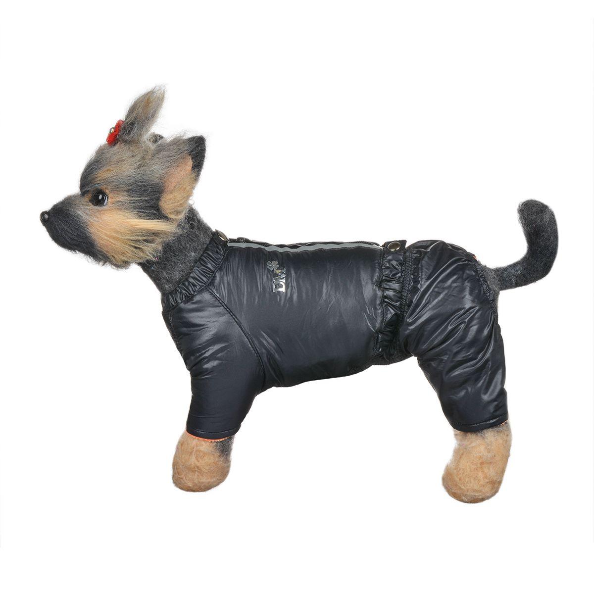 Костюм для собак Dogmoda Дублин, зимний, для мальчика, цвет: черный, оранжевый. Размер 1 (S)0120710Зимний костюм для собак Dogmoda Дублин отлично подойдет для прогулок в зимнее время года. Костюм состоит из куртки и брюк на лямках, которые изготовлены из полиэстера, защищающего от ветра и снега, с утеплителем из синтепона, который сохранит тепло даже в сильные морозы, а на подкладке используется искусственный мех, который обеспечивает отличный воздухообмен. Куртка застегивается на молнию и кнопки. На молнии имеются светоотражающие элементы. Ворот и низ изделия оснащены внутренними резинками, которые мягко обхватывают тело, не позволяя просачиваться холодному воздуху. Куртка декорирована золотистой надписью DM.Эластичные лямки брюк имеют перфорацию. Их длина регулируется при помощи пуговиц. Брюки застегиваются на кнопки и имеют на пояснице внутреннюю резинку, которая не позволит просачиваться холодному воздуху. Изделие декорировано золотистой надписью DM.Благодаря такому костюму простуда не грозит вашему питомцу.