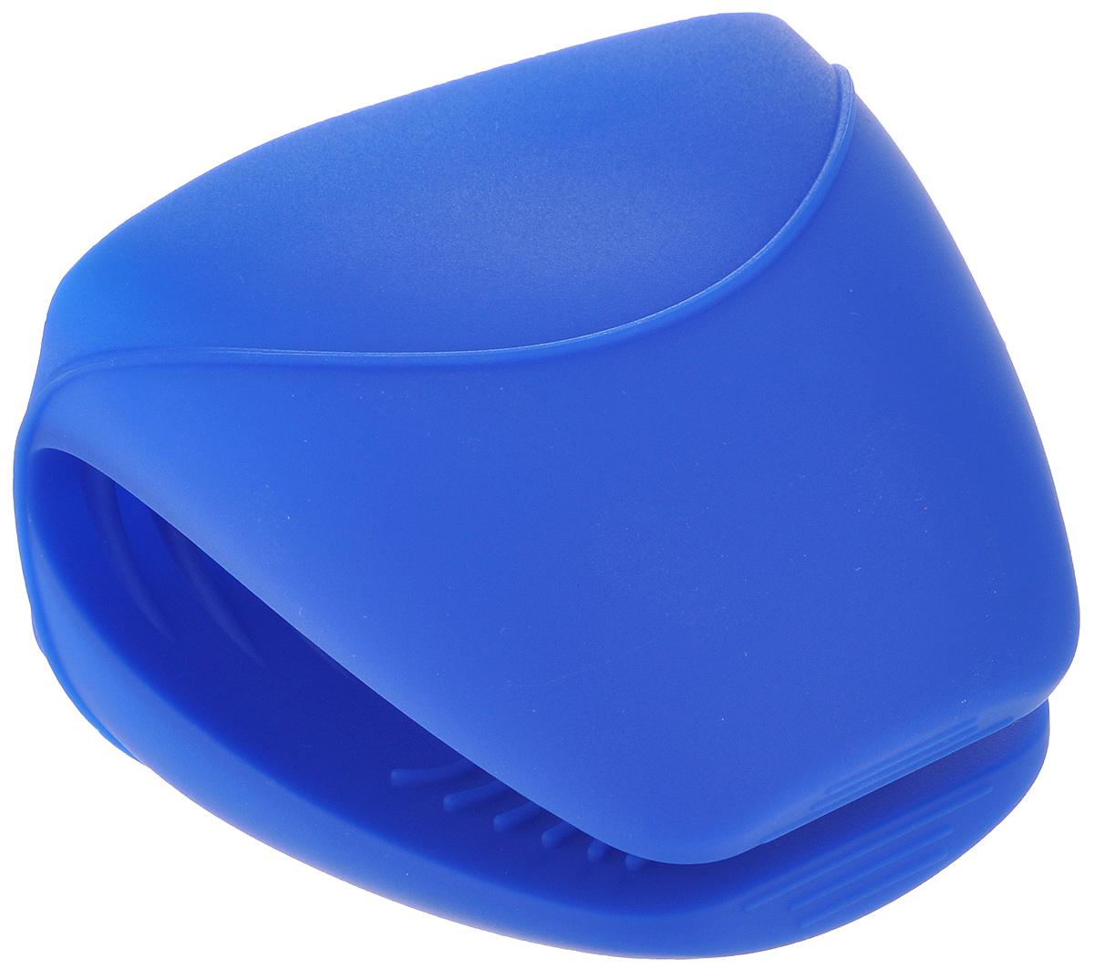 Прихватка Sagaform, цвет: синийVT-1520(SR)Прихватка Sagaform изготовлена из высококачественного силикона и предназначена для защиты рук от ожогов во время приготовления пищи. Она станет отличным украшением кухни или замечательным подарком знакомому кулинару.С помощью прихватки Sagaform можно доставать горячие блюда из духовки, не боясь обжечься. Прихватка выдерживает высокие температуры (от -40°С до +240°С), а качественный материал служит залогом длительный службы изделия.Рифленая поверхность прихватки препятствует выскальзыванию предметов из рук, а яркая расцветка поднимает настроение. Можно мыть в посудомоечной машине.