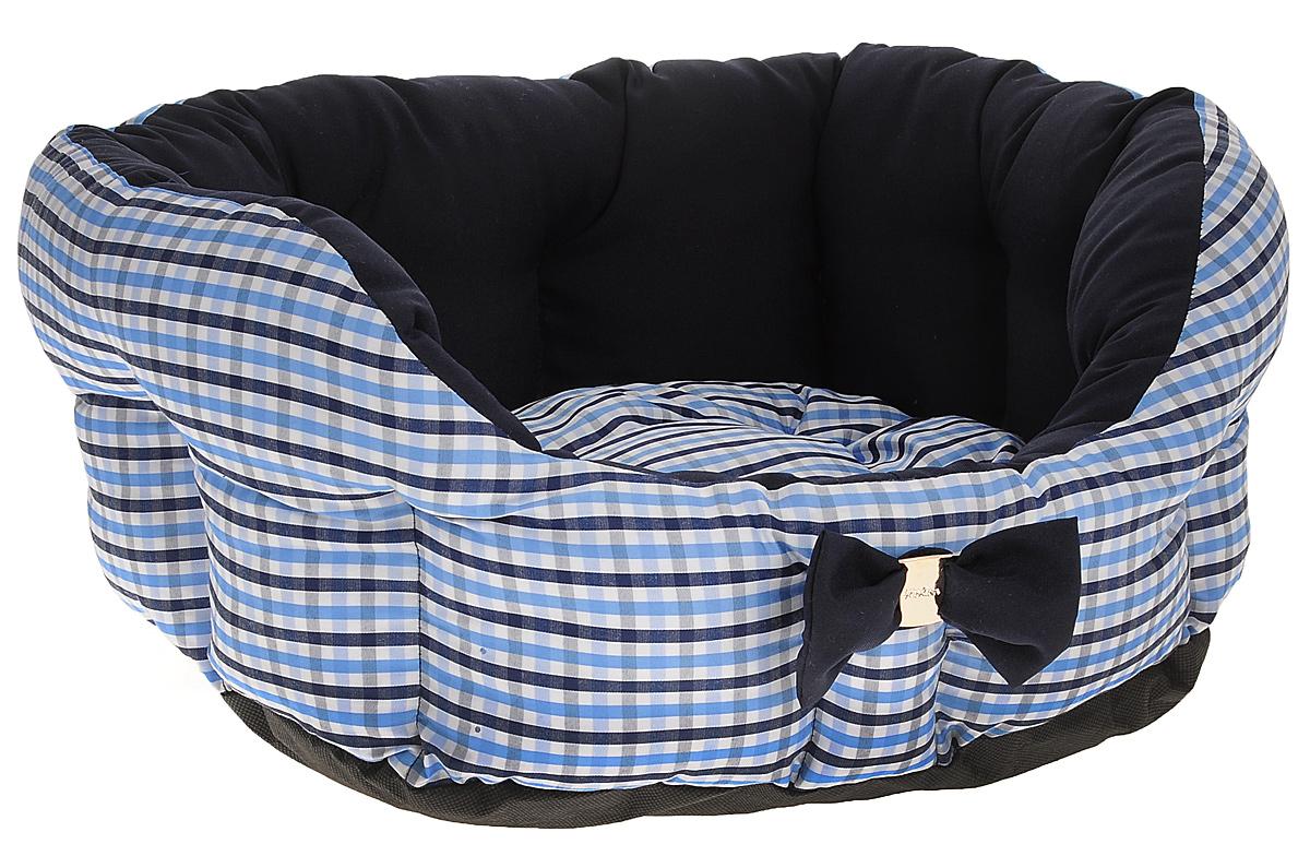 Лежак для собак и кошек Зоогурман Каприз, цвет: синий, белый, голубой, диаметр 45 см0120710Мягкий и уютный лежак для кошек и собак Зоогурман Каприз обязательно понравится вашему питомцу. Лежак выполнен из нежного, приятного материала. Внутри - мягкий наполнитель, который не теряет своей формы долгое время.Внутри лежака теплый, съемный матрасик. Высокие борта лежака обеспечат вашему любимцу уют и комфорт. За изделием легко ухаживать, можно стирать вручную или в стиральной машине при температуре 40°С. Материал: микроволоконная шерстяная ткань.Наполнитель: гипоаллергенное синтетическое волокно. Наполнитель матрасика: шерсть.Диаметр: 45 см.Внутренний диаметр: 33 см.Высота бортиков: 18 см.