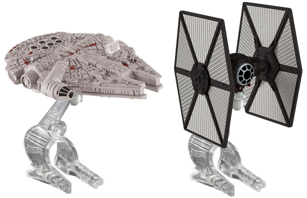 """Звездные корабли Hot Wheels """"Star Wars. Tie Fighter vs. Millennium Falcon"""" непременно приведут в восторг поклонника фантастической саги """"Звездные воины"""". В комплекте представлены два звездных корабля и две подставки. Надевайте на руку устройство Flight Navigator и запускайте корабли в полет по комнате, прямо как в гиперпространстве, или устраивайте яростные космические сражения. Flight Navigator можно также использовать как подставку для игрушек. Звездолеты совместимы с игровыми наборами Hot Wheels Star Wars (продаются отдельно)."""