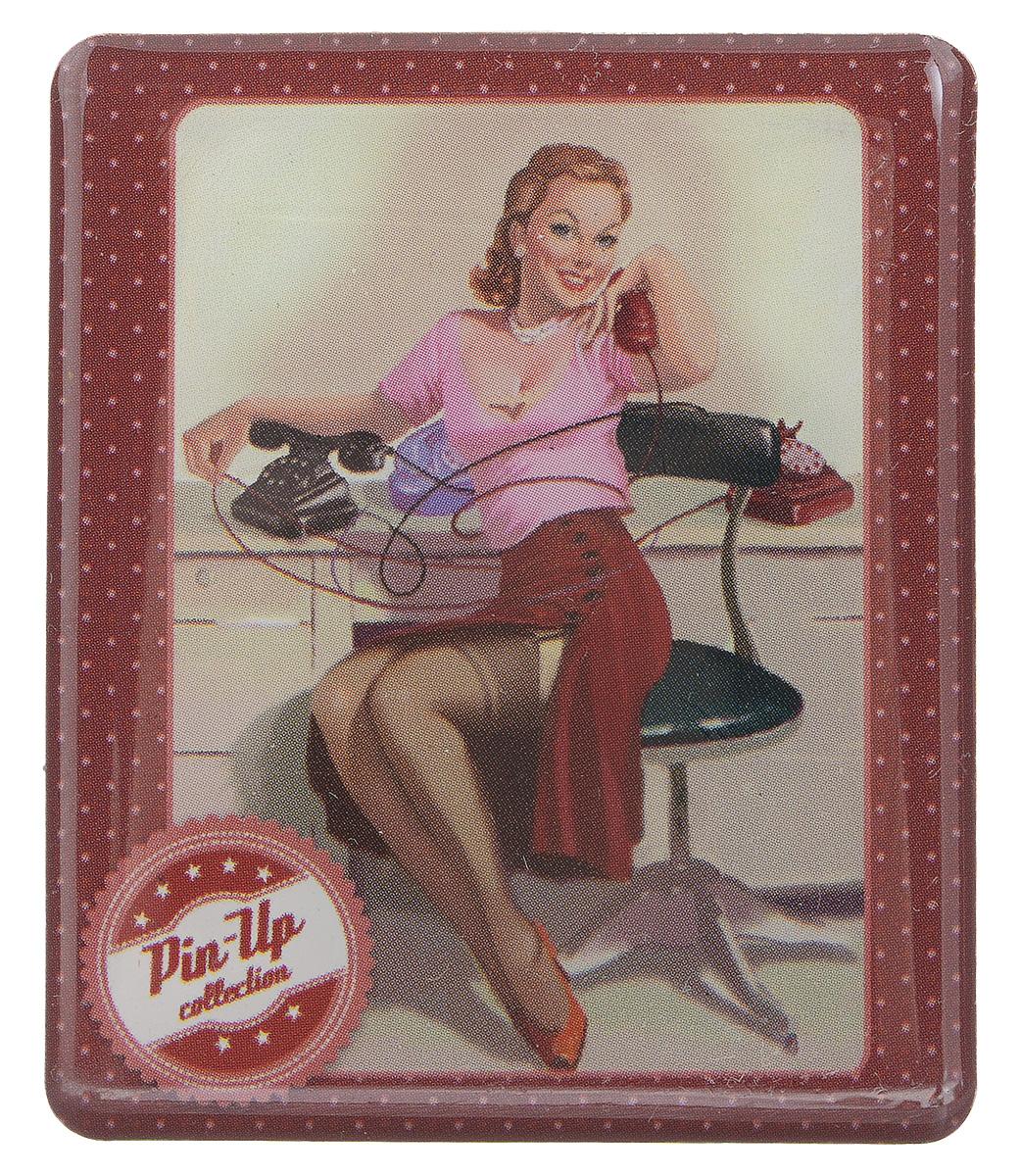 Магнит Феникс-презент Девушка пинап, 6 x 5 смБрелок для ключейМагнит прямоугольной формы Феникс-презент Девушка пинап, выполненный из агломерированного феррита, станет приятным штрихом в повседневной жизни. Оригинальный магнит, декорированный изображением девушки с телефоном, поможет вам украсить не только холодильник, но и любую другую магнитную поверхность. Материал: агломерированный феррит.