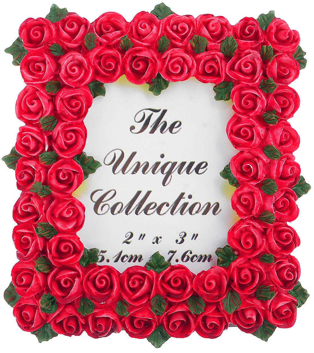 Декоративная фоторамка Home Queen Букет роз, цвет: ярко-розовый, 5,1 см х 7,6 смLSL-6101-01Декоративная фоторамка Home Queen Букет роз поможет вам оригинально дополнить интерьер помещения. Фоторамка декорирована изображением роз. Задняя сторона оснащена ножкой для размещения на столе.Такая рамка позволит сохранить на память изображения дорогих вам людей и интересных событий вашей жизни, а также станет приятным подарком для каждого. Размер фотографии: 5,1 см х 7,6 см.Размер фоторамки: 8 см х 8,5 см.