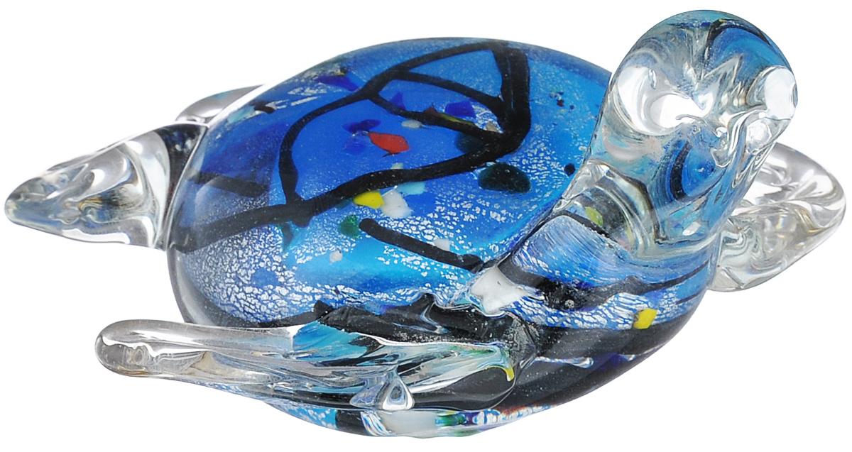 Фигурка декоративная Феникс-презент Черепаха, 10 см х 9 см х 5,5 смTHN132NОчаровательная фигурка Феникс-презент Черепаха станет оригинальным подарком для всех любителей стильных вещей. Она выполнена из высококачественного стекла в виде черепашки. Изысканный сувенир станет прекрасным дополнением к интерьеру. Вы можете поставить фигурку в любом месте, где она будет удачно смотреться.