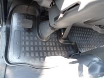 Коврики в салон ТАГАЗ LC100 (09-) полиуретанCA-3505Коврики производятся индивидуально для каждой модели автомобиля из современного и экологически чистого материала, точно повторяют геометрию пола автомобиля, имеют высокий борт от 3 см до 4 см., обладают повышенной износоустойчивостью, антискользящими свойствами, лишены резкого запаха, сохраняют свои потребительские свойства в широком диапазоне температур (-50 +80 С)