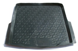 Коврик в багажник L.Locker, для Skoda Superb II Combi (09-)NLC.63.08.B10Коврик L.Locker производится индивидуально для каждой модели автомобиля из современного и экологически чистого материала. Изделие точно повторяют геометрию пола автомобиля, имеет высокий борт, обладает повышенной износоустойчивостью, антискользящими свойствами, лишен резкого запаха и сохраняет свои потребительские свойства в широком диапазоне температур (от -50°С до +80°С).