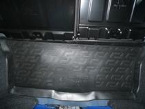 Коврик в багажник L.Locker, для Peugeot 107 hb (05-)ABS-14,4 Sli BMCКоврик L.Locker производится индивидуально для каждой модели автомобиля из современного и экологически чистого материала. Изделие точно повторяют геометрию пола автомобиля, имеет высокий борт, обладает повышенной износоустойчивостью, антискользящими свойствами, лишен резкого запаха и сохраняет свои потребительские свойства в широком диапазоне температур (от -50°С до +80°С).