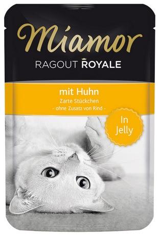 Консервы для кошек Миамор Королевское Рагу курица в желе, 100 г74051Миамор королевское рагу - это нежные кусочки, приготовленные в изысканном желе. Производятся по особой щадящей технологии для сохранения витаминов с высокой долей мяса домашних животных. Миамор - это полноценный повседневный корм для кошек и котов, который очень легко усваивается. Не содержит сои, красителей и ароматизаторов, за то содержит множество полезных веществ, например магний, который необходим для здоровья кошек. Условия хранения: комнатная температура в закрытом виде, после вскрытия до 2 дней в холодильнике.Особенности: Натуральные компоненты; Без сои, красителей, ароматизаторов, костной муки; Без консервантов Состав: Курица;Птица;Витамины