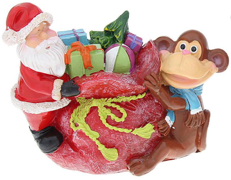 Копилка декоративная Sima-land Мартышка и Дед Мороз с мешком подарков, цвет: красный, белый, коричневыйБрелок для ключейДекоративная копилка Sima-land Мартышка и Дед Мороз с мешком подарков, изготовленная из полистоуна, станет отличным украшением интерьера вашего дома или офиса. Сверху имеется прорезь для монет. На дне расположен клапан, через который можно достать деньги.Яркий оригинальный дизайн сделает такую копилку прекрасным подарком. Она послужит не только по своему прямому назначению, но и красиво дополнит интерьер комнаты.
