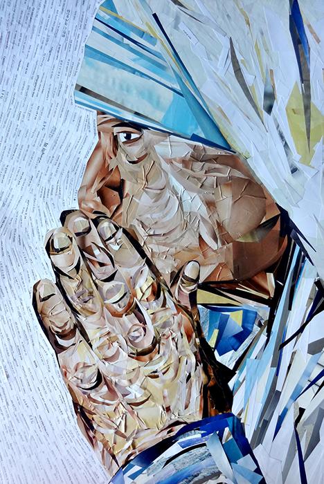 """Авторская картина Мать Тереза. Коллаж. Портрет, 70 х 50 см. Художник Ирина Баст1706Мать Тереза. Божья сила в действии.""""Господи, позволь мне проповедовать Тебя без проповеди – не словами, а примером, притягательной силой, благотворным действием того, что я совершаю, полнотой Твоего присутствия в моем сердце... """". Эти слова принадлежат женщине, которой выпала нелегкая и радостная доля нести людям Благую Весть, что Бог есть любовь и смысл жизни каждого смертного лишь в том, чтобы любить и быть любимым. В ХХ веке она стала не просто символом милосердия, но вместе со своими сестрами по вере являла реальную силу, с которой нельзя было не считаться.Ее называли Мать Тереза. Она действительно стала матерью для многих никому не нужных детей – младенцев из мусорных ящиков, маленьких инвалидов и сирот... Маленькая, худощавая, улыбчивая старушка. Проницательный взгляд, подвижное лицо, грубые, непропорционально большие натруженные крестьянские руки. В ее присутствии собеседники ощущали себя осмысленной частью творения – она лучезарно и умно смотрела в лицо мира, смотрела людям в глаза, извиняясь, что вынуждена спешить. Не говорила ежесекундно слов о Боге, но о Нем свидетельствовала своей жизнью. Она радостно делала то, что оказалось за пределами человеческих интересов: говорила никому не нужному, ничем не примечательному нищему, увечному, беспомощному: """"Ты не один!"""".В картине использована фраза Я тебя люблю на всех языках мира.Картина оформлена раму небесно-голубого цвета с золотой окантовкой. Картина участвовала в * Персональной выставке Женщины. Они изменили мир (Санкт-Петербург) * Выставке картин серии Женщины. Они изменили историю в Центре Натальи Грэйс * Выставке Молодость Петербурга, выставочный центр Союза художников Глянцевые журналы, бумага, клей. Пластиковая рама с паспарту. Пластик для сохранения изображения. Подвес на обратной сторонеКартина не требует дополнительной защиты, ее достаточно повесить на стену. Оформления не нужно. Ронять не рекомендуется."""