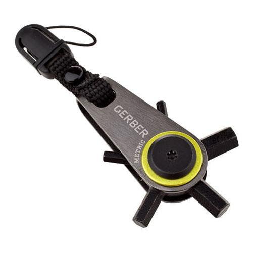 Мини-мультитул Gerber Essentials GDC Zip Hex блистер31-001740Легкий, удобный в использовании инструмент выживания на каждый день, который всегда под рукой!5 ключей-шестигранников - 2,5 мм, 3мм, 4мм, 5мм, 6мм Крепление на бегунок молнии куртки, на ключи, на брелок, на подсумок, рюкзак и т.п. Быстроразъемная защелка для удобного крепления-снятия микротула Механизм фиксации выбранного ключа Ничтожно малый вес микротула - всего 45 грамм! Состав материала: Сталь клинка: 7Cr17