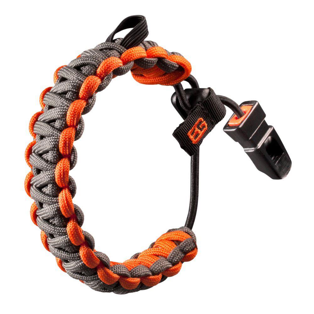 Браслет Gerber Survival, цвет: серый, оранжевый21028Браслет Gerber Survival пригодится не только в качестве стильного украшения, но и как инструмент для использования в сложной ситуации. Как и многие другие предметы, разработанные и выпускаемые Gerber совместно с известным выживальщиком Bear Grylls, этот браслет имеет двойное назначение.С одной стороны, браслет действительно выглядит интересно и стильно – оранжевый с серым, замысловатое плетение шнура, изменяемый размер. С другой – в некоторых ситуациях он может оказаться очень полезен, ведь нейлоновый шнур очень прочен и не подвержен гниению. Длина браслета может меняться одной рукой. Кроме того, к изделию прикреплен небольшой свисток. Лучше, конечно, чтобы браслет остался забавным украшением.Диаметр браслета: 7 см.Ширина браслета: 3 см.